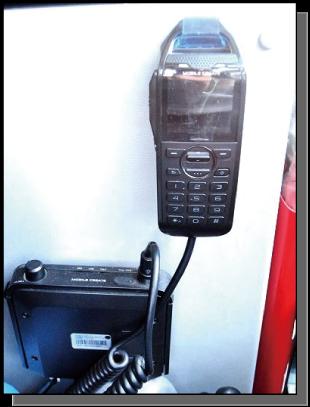 携帯電話回線利用無線機の搭載